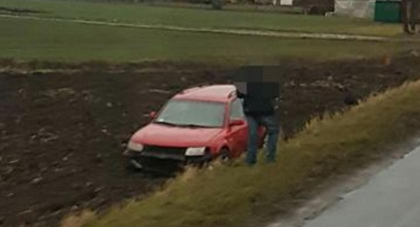 Wypadki drogowe, Samochodem - zdjęcie, fotografia
