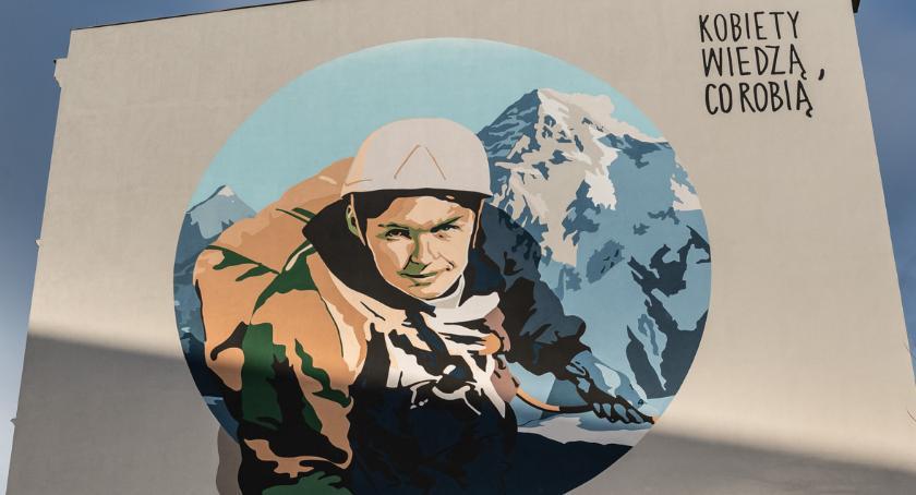 Kultura, Mural Wandą Rutkiewicz odsłonięty - zdjęcie, fotografia