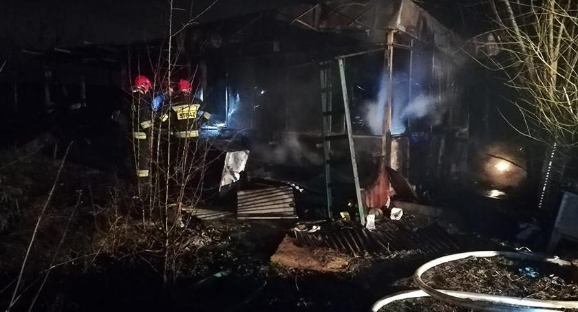 Pożary, pożarze Wrocławiem zginął mężczyzna - zdjęcie, fotografia
