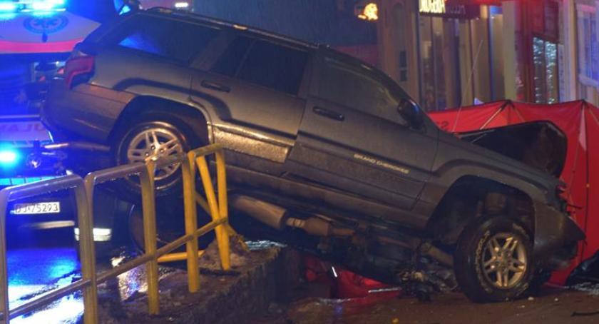 Wypadki drogowe, Szklarska Poręba Tragiczny wypadek centrum kurortu - zdjęcie, fotografia