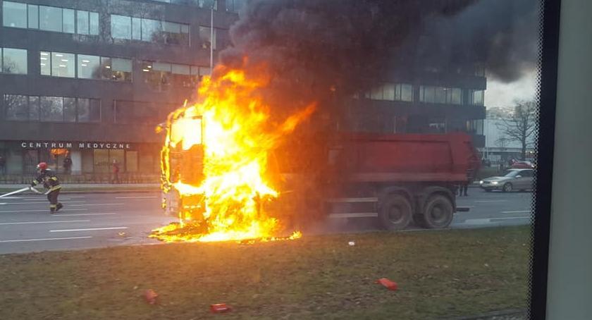 Pożary, Lotniczej spłonęła ciężarówka Włącz Zello - zdjęcie, fotografia