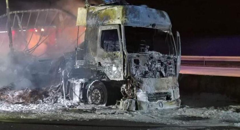 Autostrada A4, autostradzie doszczętnie spłonęła ciężarówka - zdjęcie, fotografia