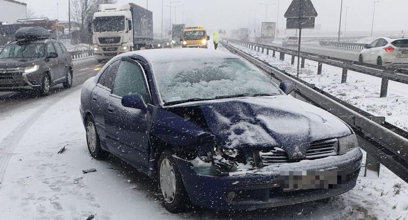 Autostrada A4, Ślisko autostradzie Kolizja okolicach Kostomłotów - zdjęcie, fotografia