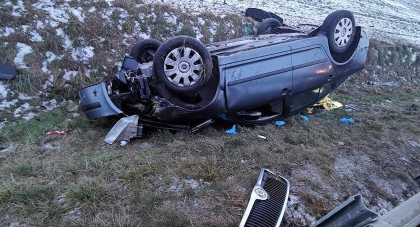 Wypadki drogowe, Skoda wypadła drogi dachowała Włącz Zello - zdjęcie, fotografia