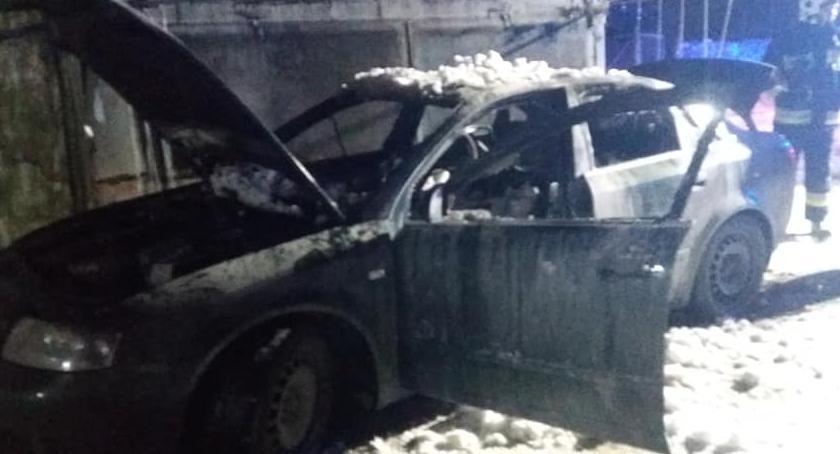 Pożary, Strzegomiu spłonął samochód - zdjęcie, fotografia