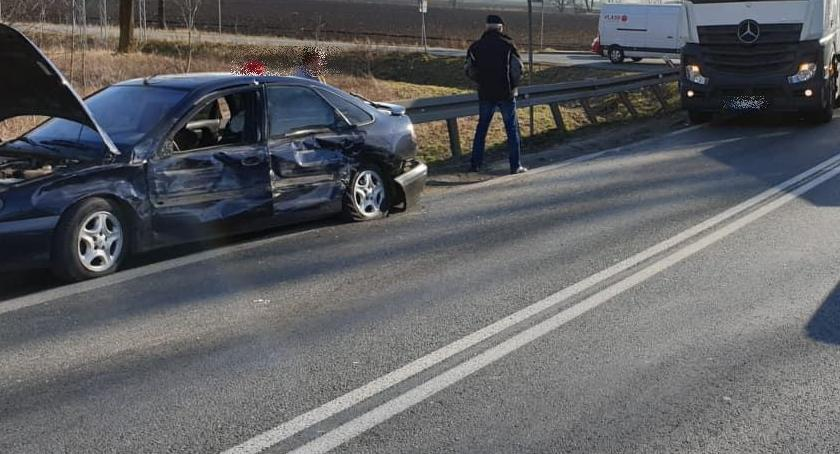 Wypadki drogowe, staranował kilka - zdjęcie, fotografia