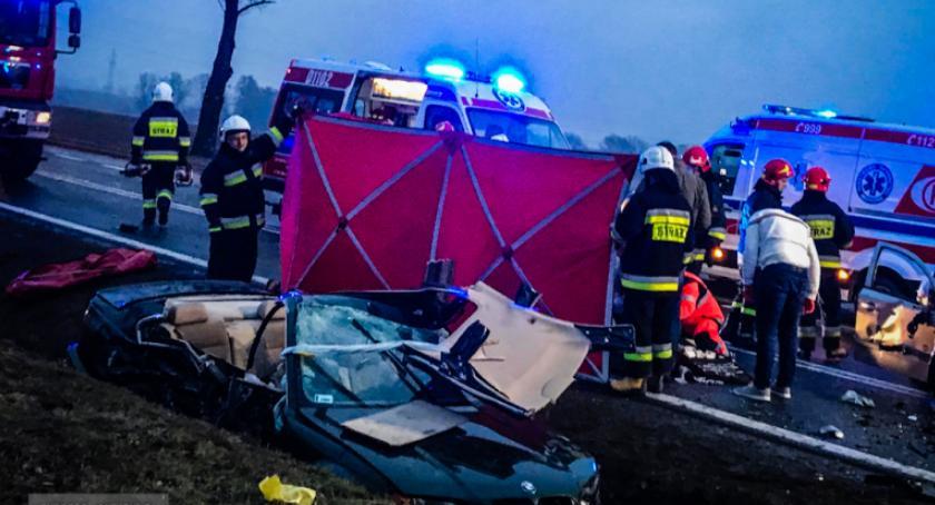 Tragiczny wypadek na krajowej ósemce. Nie żyją dwie osoby