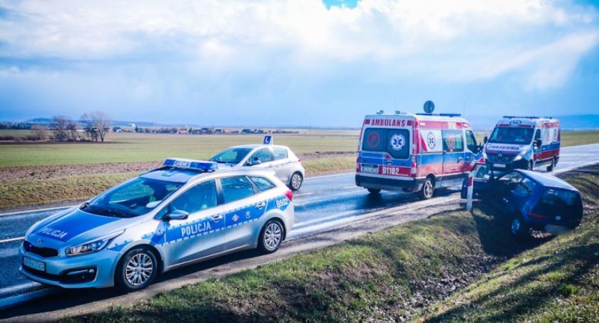 Wypadki drogowe, Fiatem - zdjęcie, fotografia