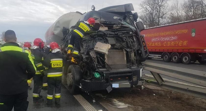 Autostrada A4, Zderzenie dwóch ciężarówek autostradzie - zdjęcie, fotografia
