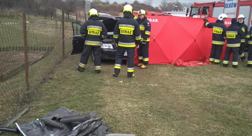 Wypadki drogowe, Śmiertelny wypadek Bolkowie żyje letni strażak Jeleniej Góry - zdjęcie, fotografia
