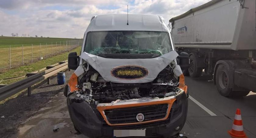 Autostrada A4, Utrudnienia autostradzie zderzył ciężarówką - zdjęcie, fotografia