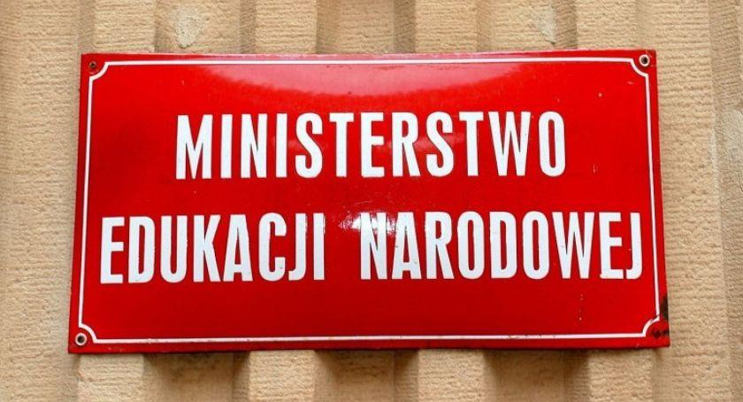 Edukacja, Propozycja rządu powstrzymała strajku nauczycieli chcą kompromisu - zdjęcie, fotografia