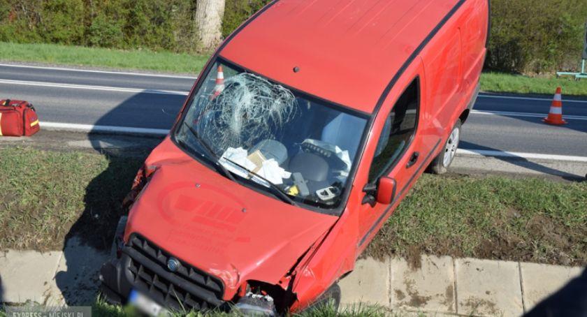 Wypadki drogowe, rowie krajowej ósemce - zdjęcie, fotografia