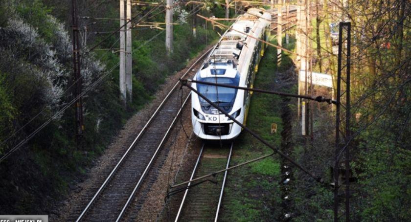 Komunikacja, Zerwana sieć trakcyjna stacji kolejowej Bardzie - zdjęcie, fotografia