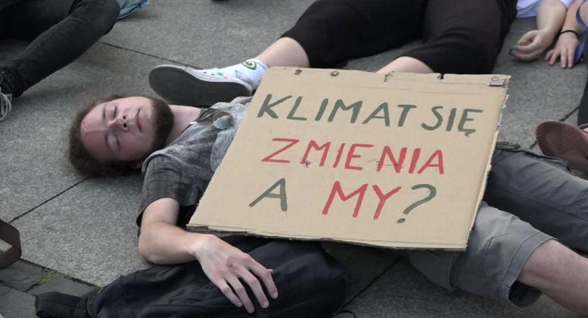 Ludzie, Strajk klimatyczny Wrocławiu - zdjęcie, fotografia
