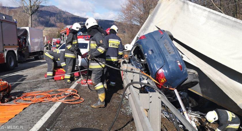 Wypadki drogowe, Szokujące nagranie wypadku Laskach - zdjęcie, fotografia