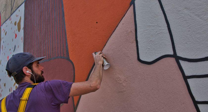 Miasto, Wrocławiu powstał mural prezencie holenderskiej Bredy - zdjęcie, fotografia