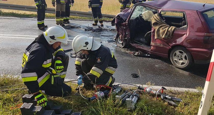 Wypadki drogowe, Czołowe zderzenie Cieszkowie - zdjęcie, fotografia