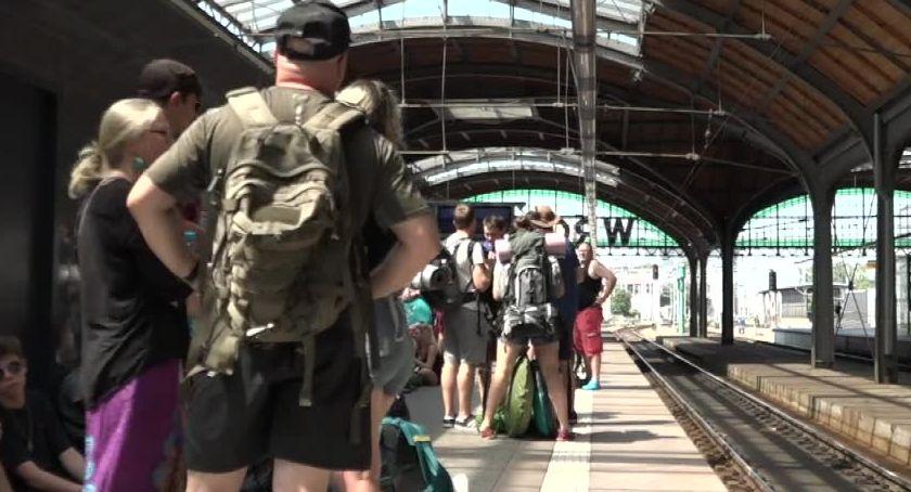 Komunikacja, całej Polski pociągiem PolandRock Festival Będzie jednak dodatkowych składów - zdjęcie, fotografia