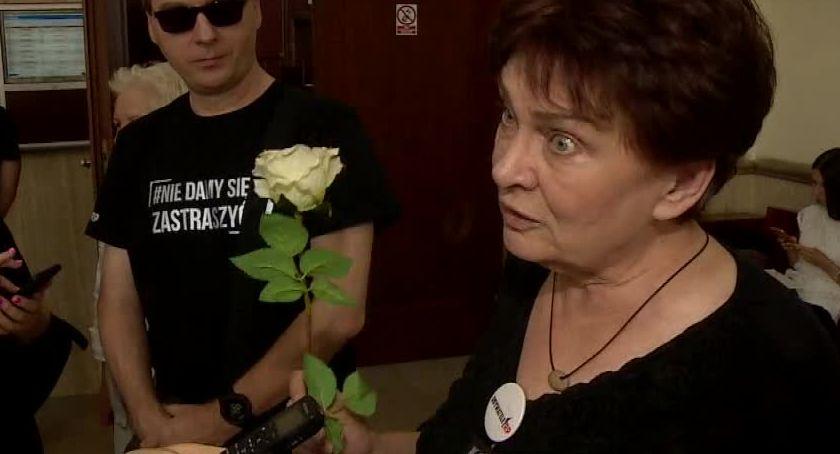 Ludzie, drugi uniewinnił Obywateli oskarżonych blokowanie marszu narodowców Wrocławiu - zdjęcie, fotografia