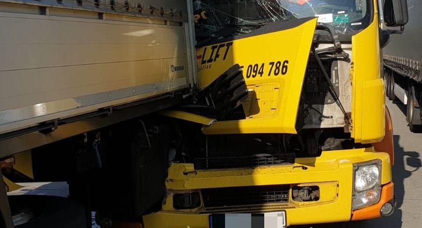 Autostrada A4, Zderzenie lawety ciężarówką Autostrada zablokowana - zdjęcie, fotografia