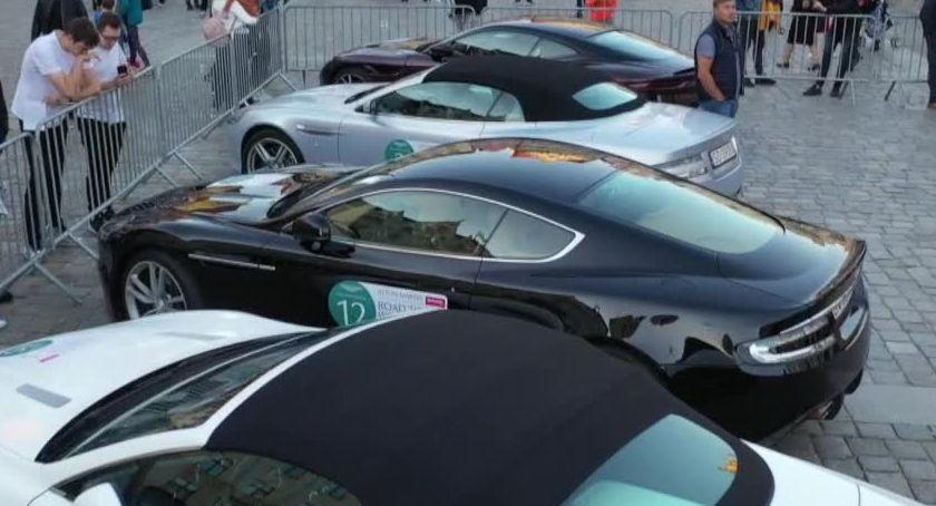 Motoryzacja, Aston Martin Dolnym Śląsku Ekskluzywne pojawiły zlocie Wrocławiu Wałbrzychu - zdjęcie, fotografia