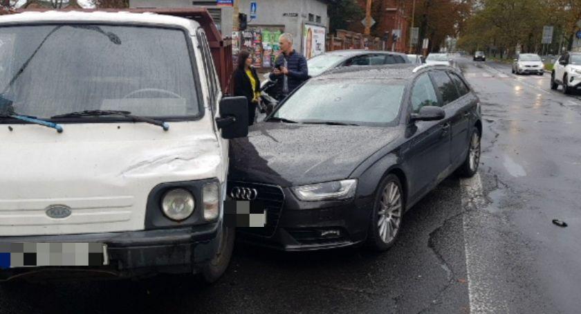 Wypadki drogowe, Zderzenie skrzyżowaniu Hallera Gajowickiej - zdjęcie, fotografia