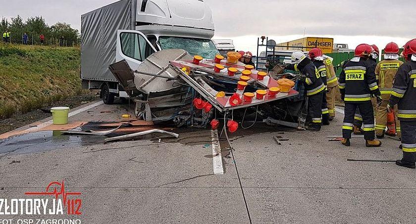 Wypadki drogowe, Naprawiali autostradę kierowca widział - zdjęcie, fotografia