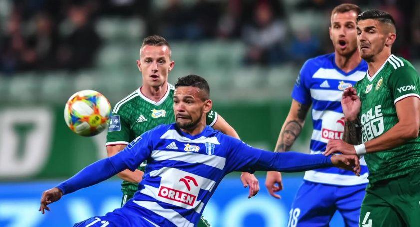 Piłka nożna, Przerwana seria Wisły Płock Nafciarze przegrali Śląskiem Wrocław - zdjęcie, fotografia