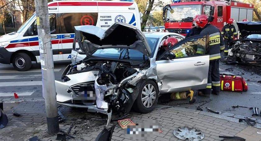 Z ostatniej chwili, Wrocław Wypadek skrzyżowaniu Wyszyńskiego Prusa - zdjęcie, fotografia