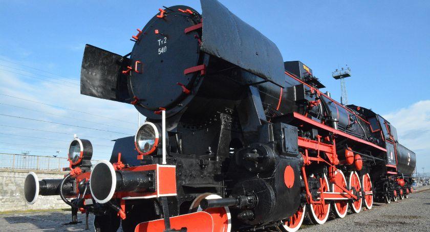 Społeczeństwo, Legnicy lokomotywa wszystkich) - zdjęcie, fotografia