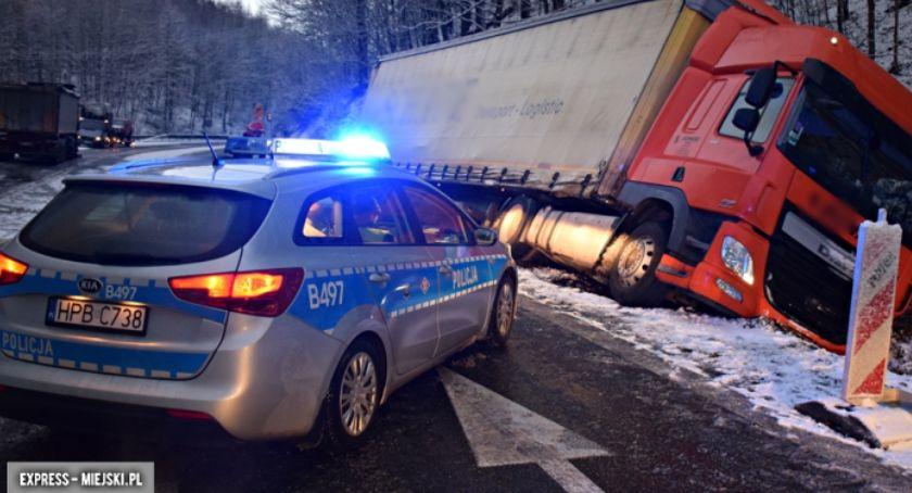 Wypadki drogowe, Oblodzenia drogach Utrudnienia krajowej ósemce - zdjęcie, fotografia