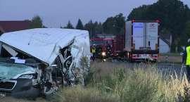 Jedna osoba zginęła w zderzeniu trzech pojazdów pod Ostrowem Wielkopolskim