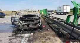 Pożar auta na autostradzie A4 pod Wrocławiem. Ogromne utrudnienia