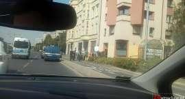 Na ulicy Legnickiej dachowało auto