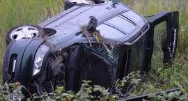Pijany kierowca wpadł do rowu i uciekł