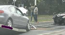 Zderzenie dwóch aut na ulicy Popowickiej