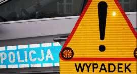 Czołowe zderzenie dwóch samochodów na trasie Wrocław - Świdnica