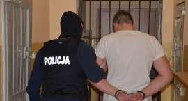 Areszt dla zatrzymanego przez policjantów ,,kasiarza''. Funkcjonariusze odzyskali blisko pół miliona