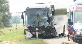 Zderzenie autobusu z ciężarówką na A4