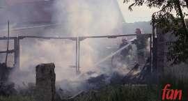 Groźny pożar na terenie hurtowni