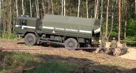 Firma składowała na budowie 1200 pocisków. Saperzy wywożą je w bezpieczne miejsce