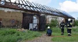 Spłonęła stodoła z ciągnikiem rolniczym