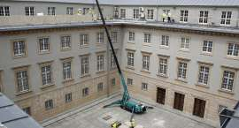 Trwa przebudowa dziedzińca wewnętrznego w Dolnośląskim Urzędzie Wojewódzkim