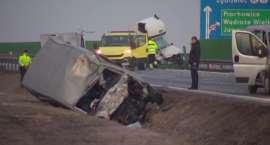 Dwie osoby zginęły na A4, siedem osób rannych. (video)