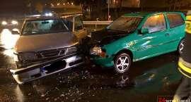 Zderzenie dwóch aut na zjeździe z autostrady A4