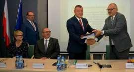 Lepsza jakość i większy dostęp do elektronicznych usług administracyjnych dla Dolnoślązaków!