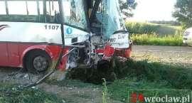 Wypadek autobusu pod Wrocławiem - 14 osób rannych!