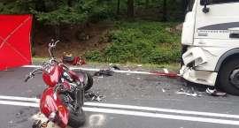 Wypadek pod Szklarską Porębą. Motocyklista zmarł w szpitalu