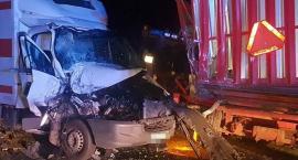 Groźny wypadek na trasie Wrocław - Strzelin. Zmiażdżona kabina ciężarówki